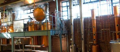 Diskontinuierliche Destillation bei Berta