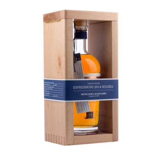 Marzadro: Grappa Espressioni Solera - limitierte Auflage / 42 % Vol. / 0,7 L Flasche im Holzrahmen