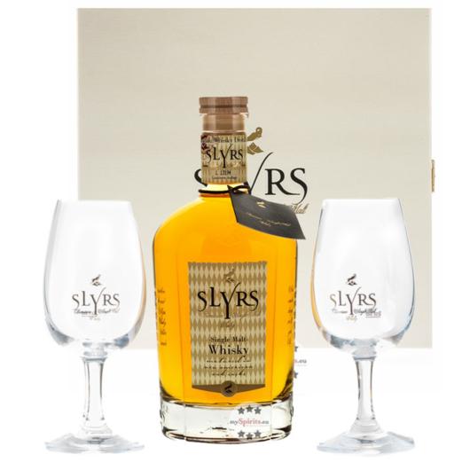 Slyrs Whisky: Geschenkbox Kerpalt mit 0,7 l Whisky und 2 Slyrs Gläsern / 43 % vol. / Holzkiste