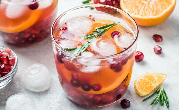 Winterlicher Gin Tonic – mit Zimt und Weihnachtszauber