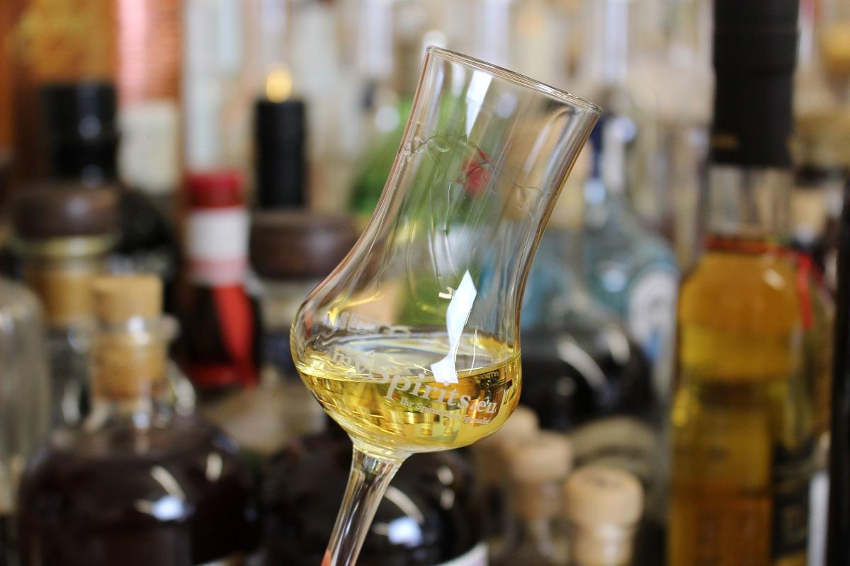 Was bedeuten die Schlieren im Glas? | mySpirits.eu