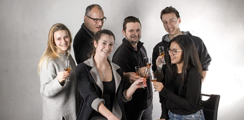 Team von mySpirits.eu - Zum Wohl!