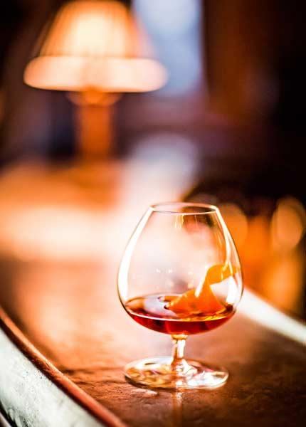 Das perfekte Glas für den perfekten Genuss ist der klassische Cognac Schwenker