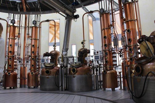 Die moderne Brennerei im Herzen der Distilleria Marzadro