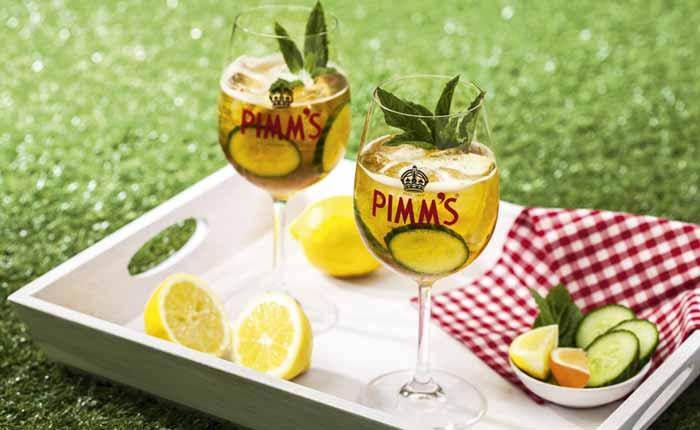 Probieren Sie den leckeren Pimms Cocktail