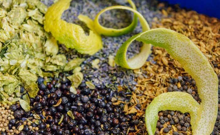 Feinste Botanicals im Duke Gin