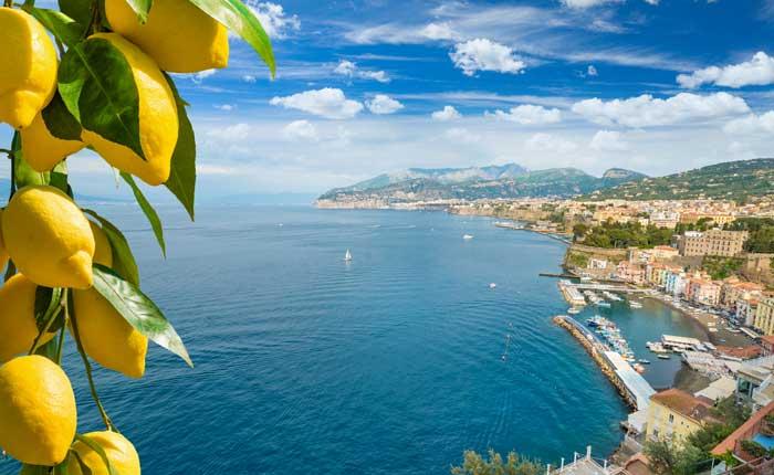 Zitronenlikör aus Italien